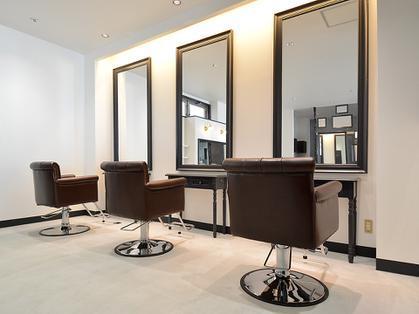 ★年間休日105日~137日 ≪社保完備≫月給25万円以上~公休買取15000円 LOUVRE Total Beauty Salon八木店